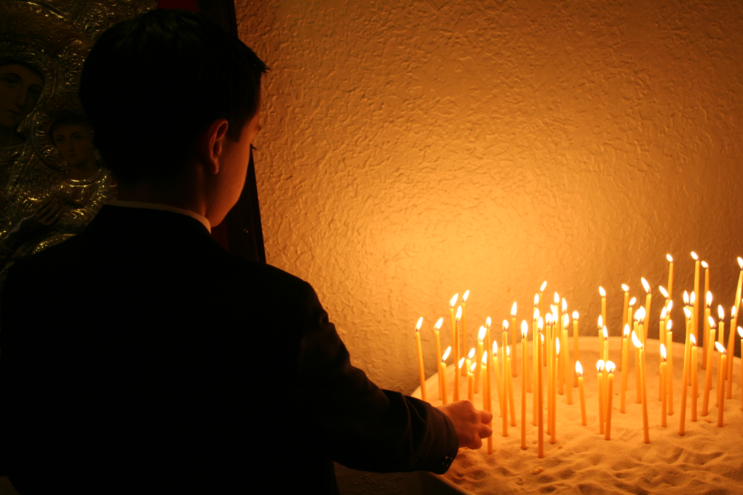 PATRIARCH SVIATOSLAV CALLS ON EACH UKRAINIAN FAMILY TO LIGHT CANDLE OF MEMORY IN WINDOWS ON NOVEMBER 26