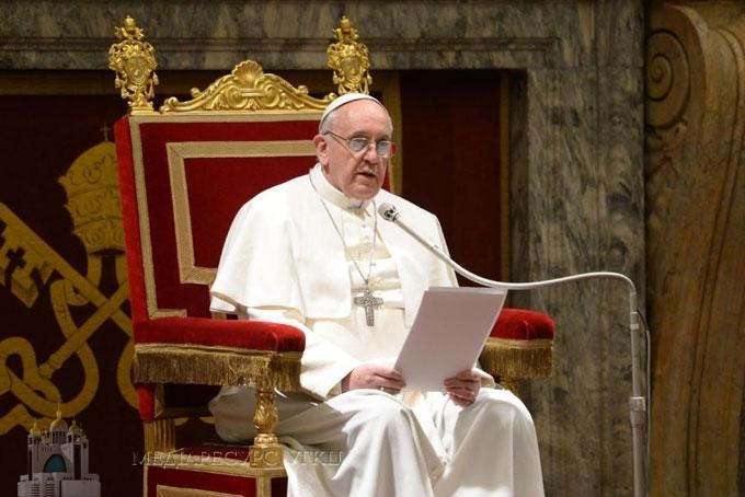 Pope urges Catholics to 'unite spiritually' in praying rosary Thursday